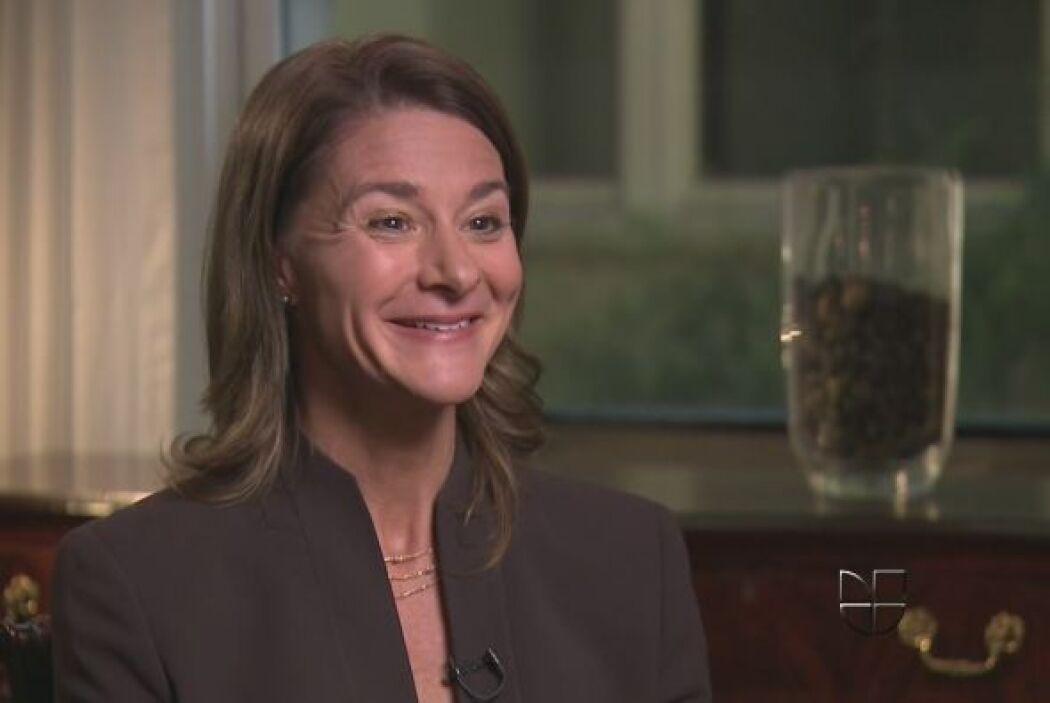 3.- MELINDA GATES: Tiene 49 años. Se dedica a la filantropía. Tiene una...