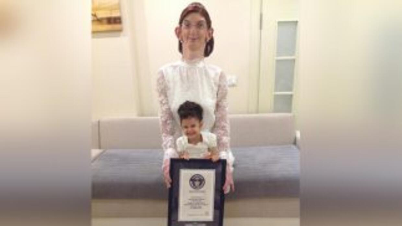 A sus 17 años Rumeysa Gelgi fue nombrada como la adolescente más alta de...