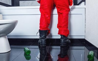 Comer almendras antes de beber alcohol evita la resaca, ¿mito o realidad?