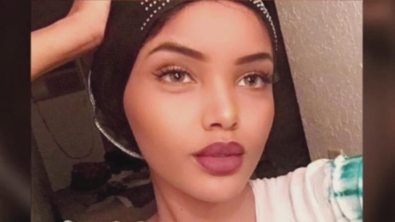 Una joven dejó a un lado los prejuicios y se presentó con su hiyab a un...