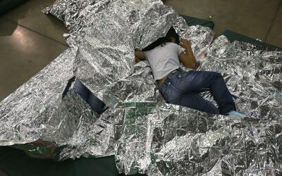 Niños inmigrantes indocumentados detenidos en la frontera.