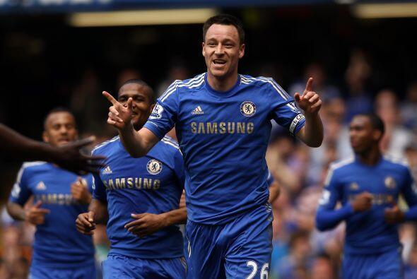 También de la Liga inglesa aparece el central del Chelsea John Terry.