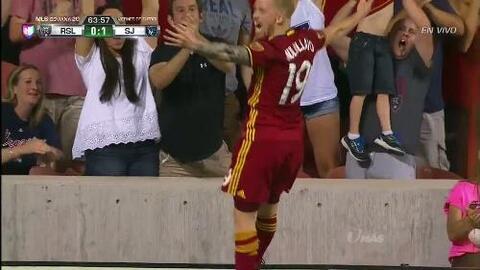 Goooolll!! Luke Mulholland mete el balón y marca para Real Salt Lake
