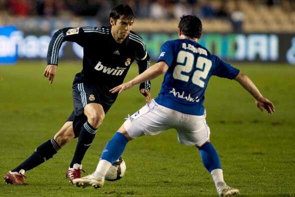 En la segunda parte Kaká tomó las riendas y le dio fluidez al juego de l...