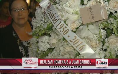 Realizan homenaje a Juan Gabriel en paseo de la fama
