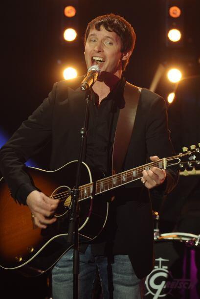 El cantante británico James Blunt entretuvo a los presentes con su música.