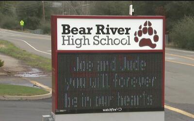Escuela de Grass Valley de llora la muerte de dos de sus estudiantes en...