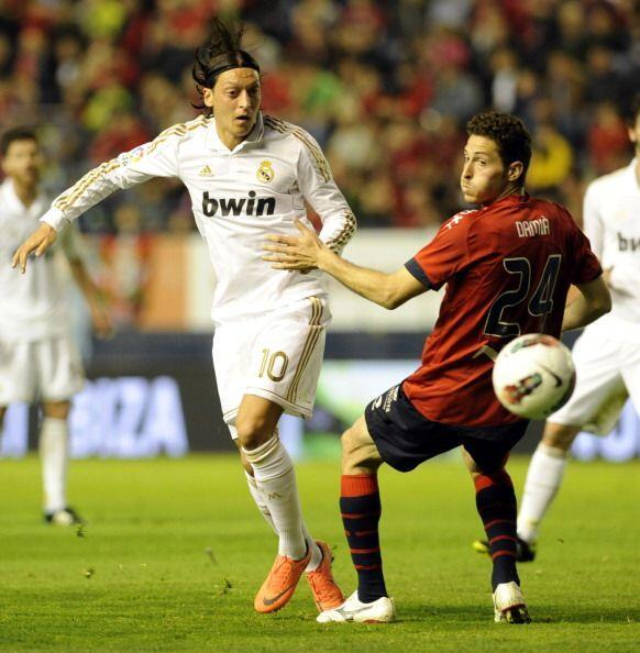Osasuna nunca pudo recuperar el balón y el Madrid siguió d...