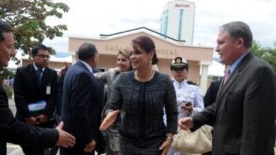 Sigue la polémica en Guatemala por el caso de una funcionaria a quien ar...