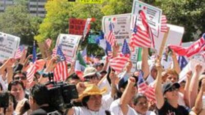 Chicago alista marcha migratoria, esperan mas de 1, 200 lideres comunita...
