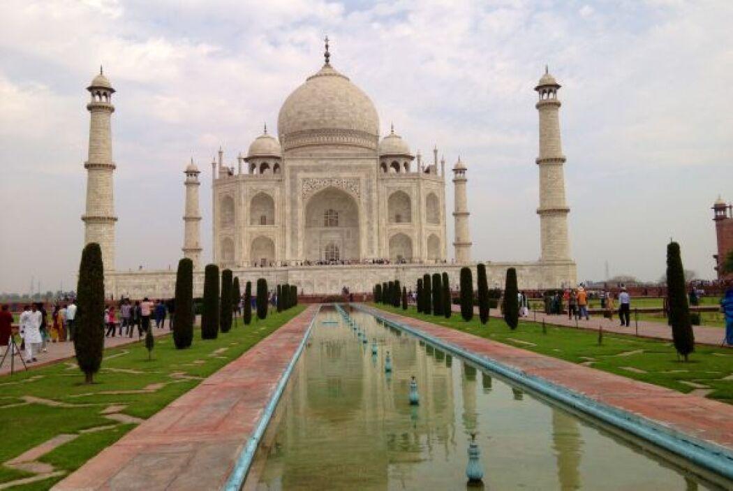 El jardín central del  Taj Mahal representa los jardines del paraíso.