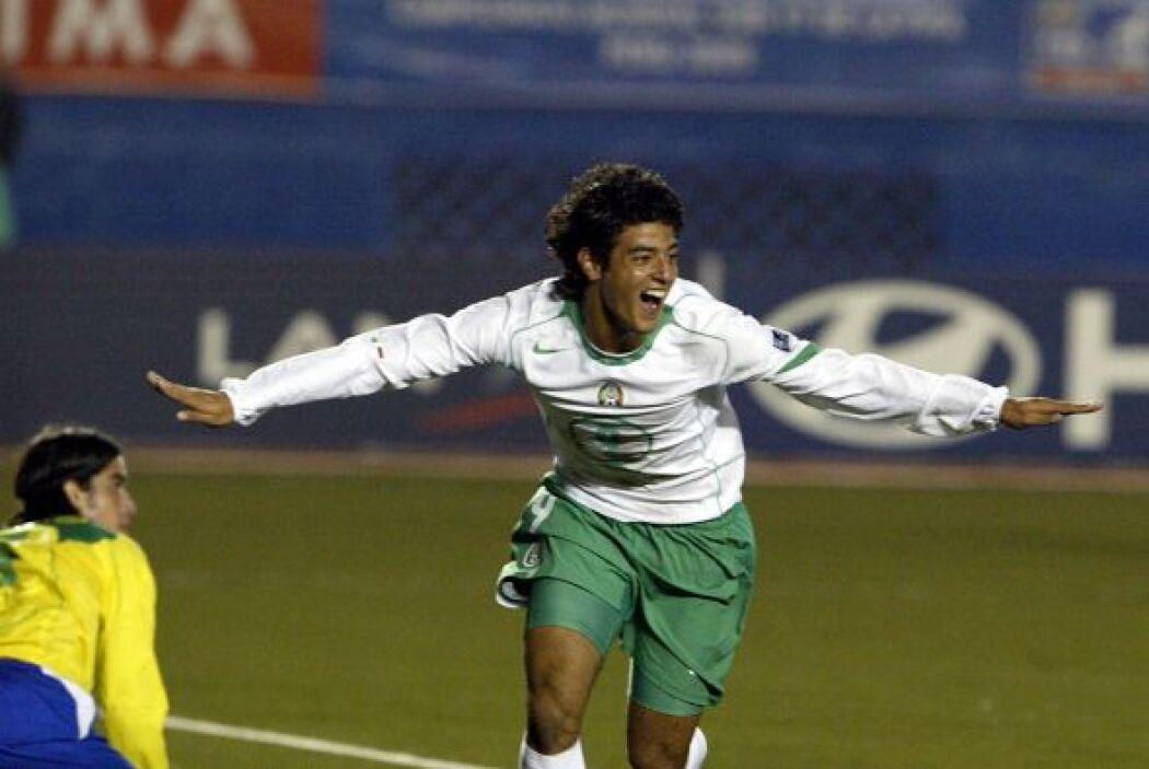 Tras haber conseguido el Mundial Sub-17 con la Selección Mexicana, Carlo...