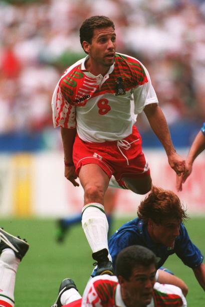 Para el mundial de 1994, la selección mexicana salió con e...