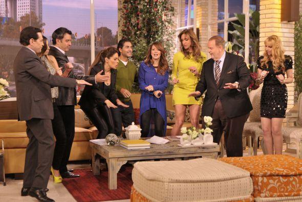 Galilea, Andrea, Raúl y Sandarti esperaban a los presentadores con emoción.