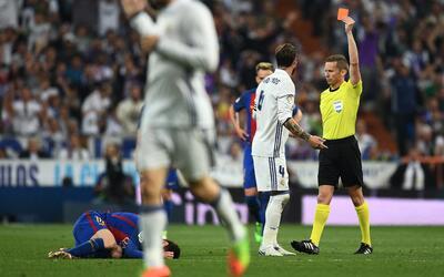 """Piqué vs. Ramos: """"Los arbitrajes son permisivos en el Bernabéu y ellos e..."""