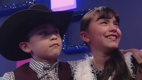 Joel consoló a Allison después de que los jueces le dieron una puntuació...