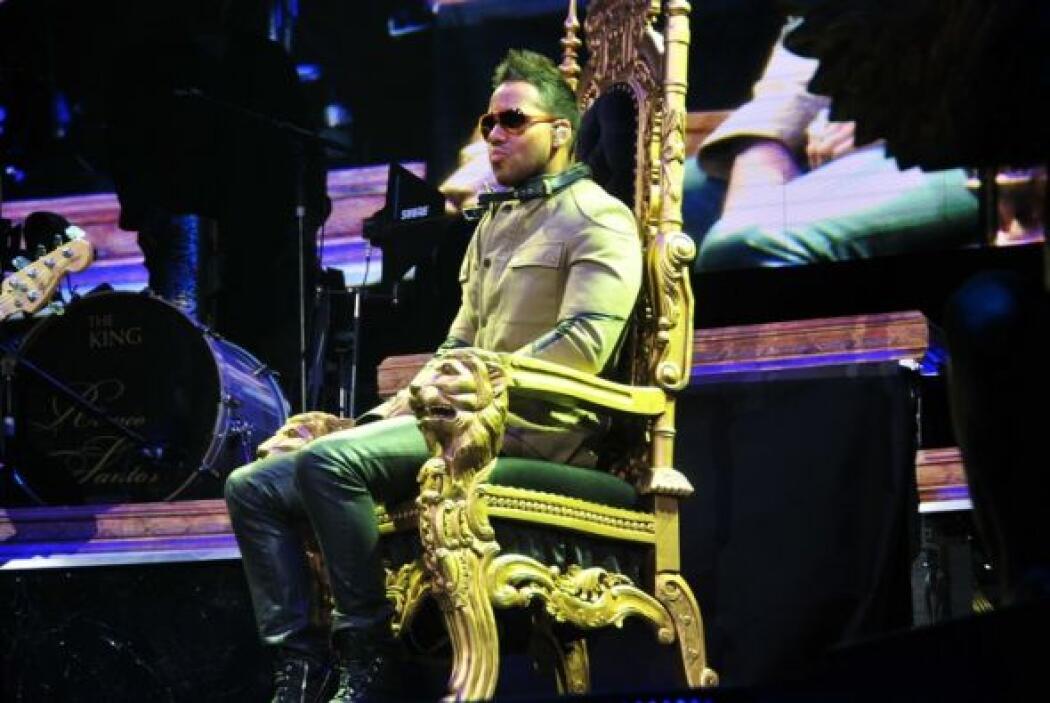 El King of Bachata enloqueció a los fans que se dieron cita en el Pruden...