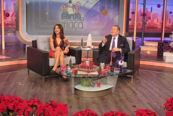 Raúl y Alejandra se ríen por los problemas que tenía Carlos.