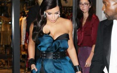 Kim Kardashian no se podía perder la Gala MET, fue acompañada por su ama...