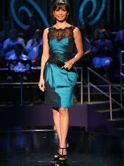 Rafael Cennamo le dio vida a este vestido aguamarina adornado con encaje...