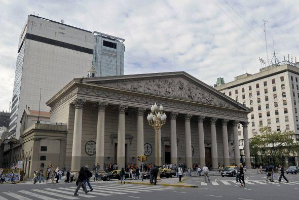 10. BUENOS AIRES. Según HuffPost, la capital argentina, sí, es bonita y...