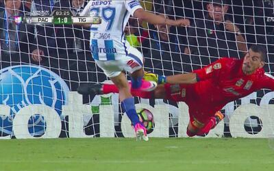 Este fue el error de Nahuel Guzmán que le dio el título de la Concacaf a...