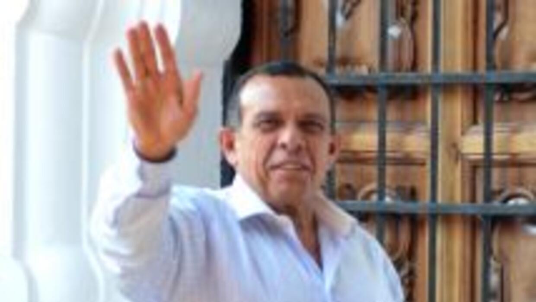 El presidente de Honduras, Porfirio Lobo, denunció que ha recibido amena...
