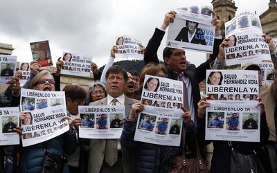 Protesta en Bogotá para exigir la liberación de periodistas secuestrados