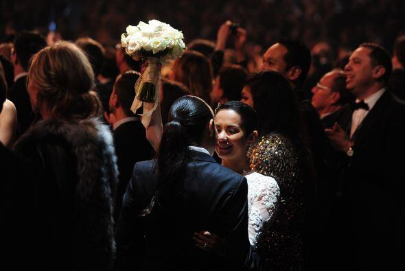 Durante el acontecimiento no pudieron faltar las muestras de amor entre...