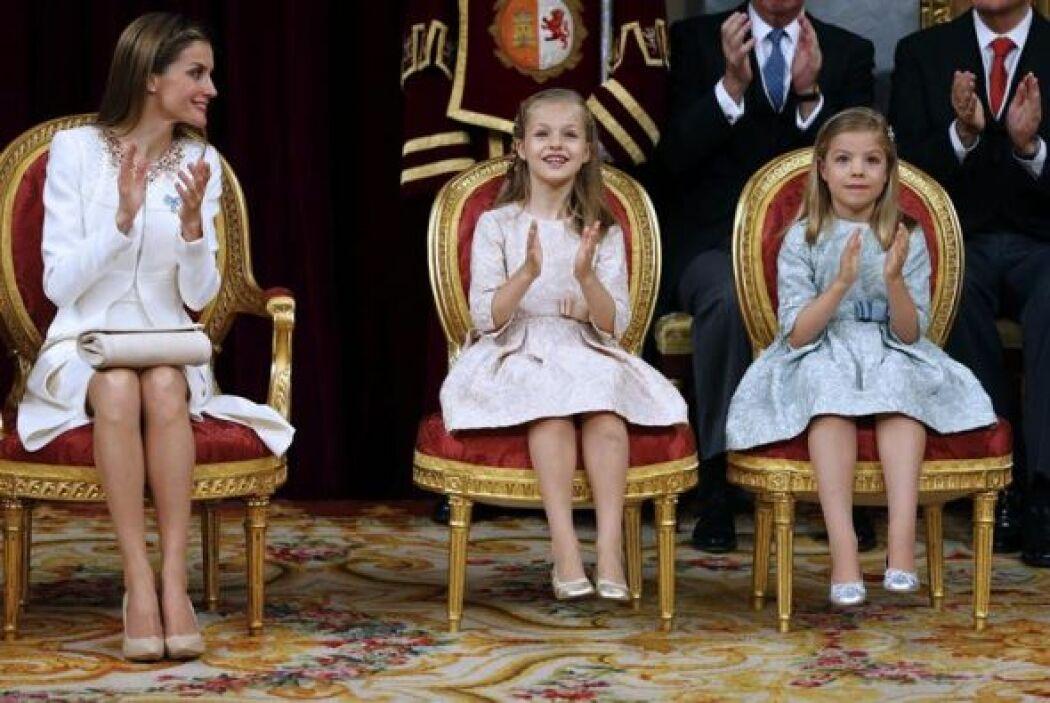 Una vez ha arrancado la ceremonia, la Reina ha dado instrucciones a las...