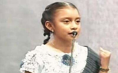 Niña indígena de 10 años habla emotivamente sobre su comunidad
