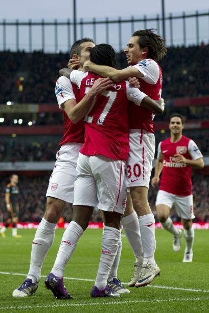 El marfileño Gervinho puso el primer gol de este partido.