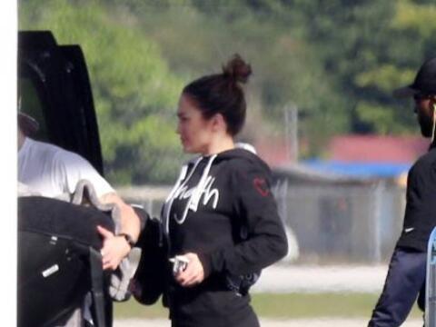 Mira cómo pillamos ahora a J.Lo. Más videos de Chismes aqu...