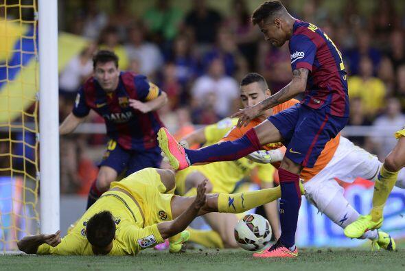 Jugadas como una ocasión que tuvo Neymar a pase de Messi pudieron abrir...