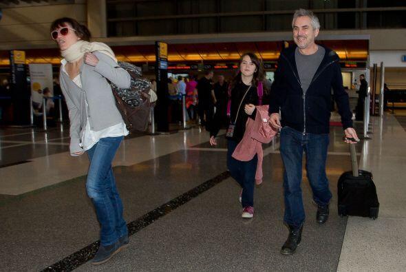 Llegaron corriendo al aeropuerto.  Mira aquí los videos má...