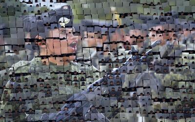 Soldados mexicanos forman un mosaico con la imagen de una miembro del Ej...
