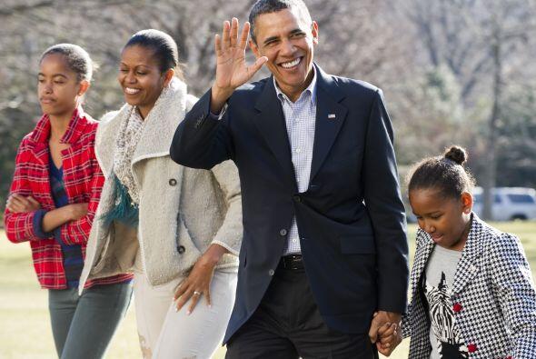 Casado con Michelle Obama y padre de dos hijas, Malia y Sasha, Obama lle...