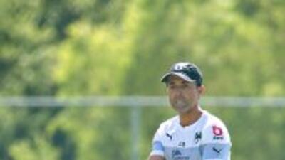 Los entrenadores de los 18 clubes de la Liga MX