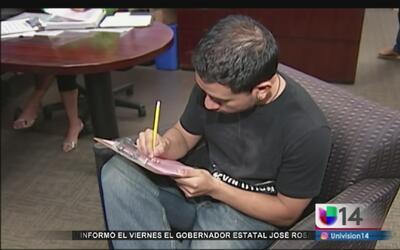Inmigrantes son amenazados por retrasos en renovación de DACA