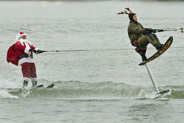 Para Santa y su equipo, no todo es trabajo. También aprovechan para disf...