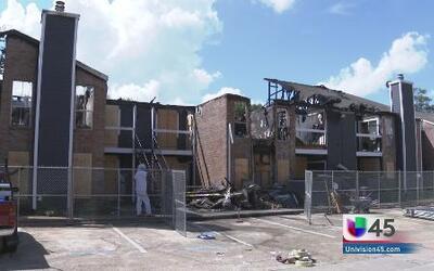 Incendio deja sin hogar a varias familias