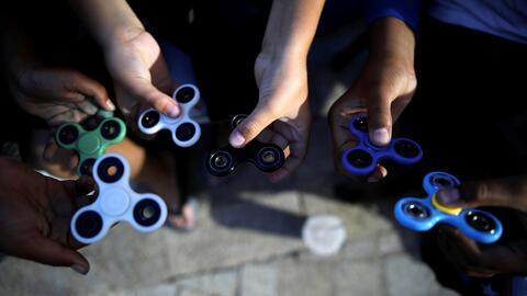 Polémica por la prohibición en varias escuelas de un juguete antiestrés