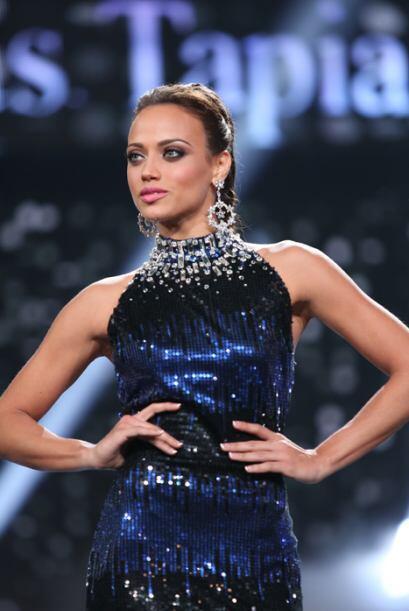 Las bellas lucieron espectaculares vestidos creados por los diseñ...