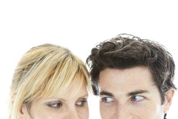 Por ejemplo, los ojos, generalmente las personas mentirosas evitan habla...
