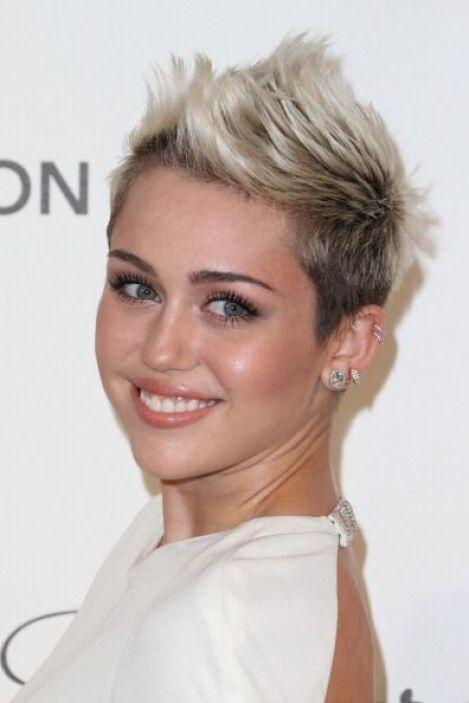 Si de estilo propio hablamos, Miley Cyrus no podía faltar en esta lista....