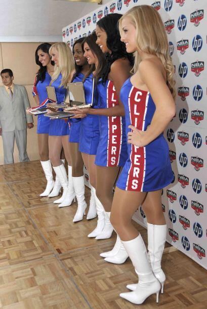 The Clippers Spirit Dance Team, el grupo de animadoras de los Clippers d...