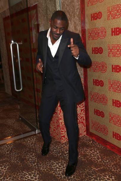 Idris Elba se pone a bailar frente a la cámara. ¿Sabrá moverse con unas...