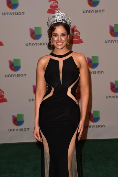 Aleyda Ortiz lució un vestido negro del diseñador venezolano Prince Juli...