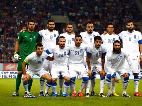 Grecia se destaca por su gran futbol defensivo y la manera de contragolp...