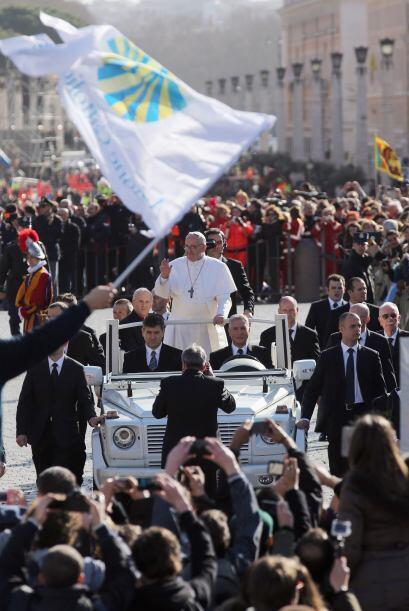 El 19 marzo: preside la misa solemne de inicio de Pontificado en la basí...